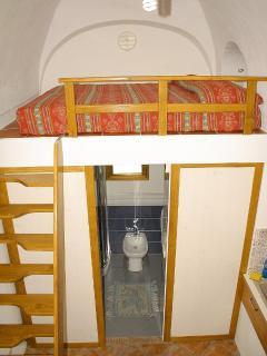 Vista armadi e accesso bagno