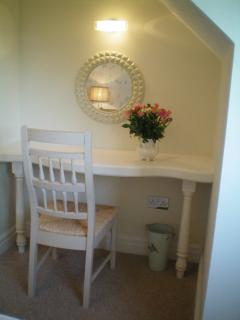 dressing room table/same in both rooms