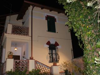 Villa Iris  a 30 metri dal mare di Tao, Taormina