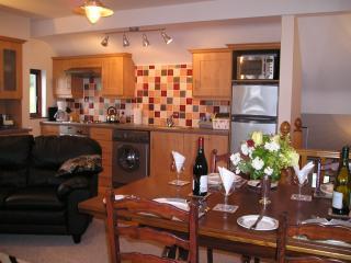 Lemnalary Kitchen/Dining