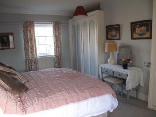 Bedroom 1 (en suite) double or twin