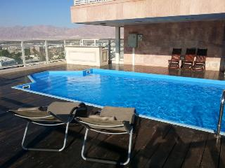 2-bedroom Penthouse with private pool ., Eilat