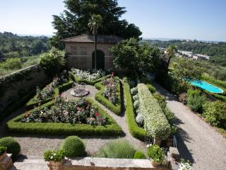 Villa La Strega luxury 6 bedroom villa in Tuscany