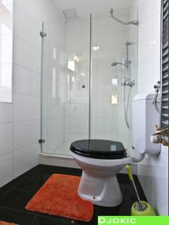 Clean, brigth and warm bathroom - to really enjoy your stay