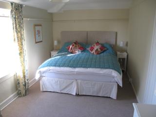 Bedroom 2 (shared bathroom with separate entrance) double or twin