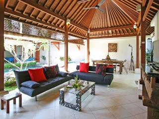 Coconut Villa, Central Sanur