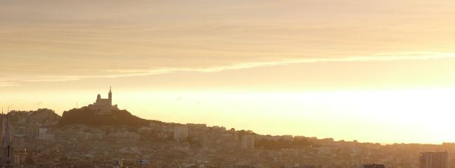 Tous les jours, le coucher de soleil est différent