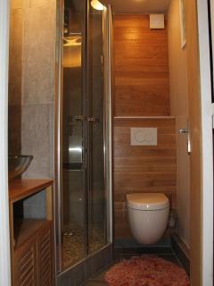 .....avec WC suspendu....