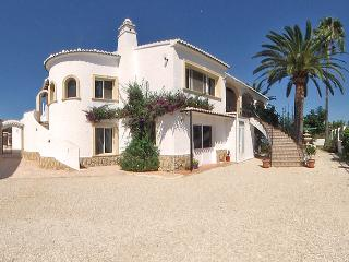 Palm View Javea. Private swimming pool.Priced from £900 per week.Walk to Beach