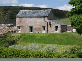 Overbrook Barn, Quarnford, Peak District (sleeps 8)