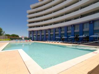 Iglo Algarve,Oceanico Atlantic,Indoor & Outdoor Pool,Airco,wifi,Sat.TV
