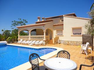 Casa Alba 4 bed/2bath Villa A/C WIFI BBQ Garden Secure off road parking Alarm, Javea
