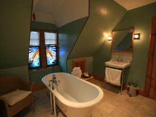 Crail Posthouse: Luxury Pet Friendly Sleeps 5 in Historic Fife Fishing Village