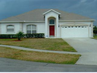 Luxury Lakeside Villa with Hot Tub and Wireless Internet, Kissimmee