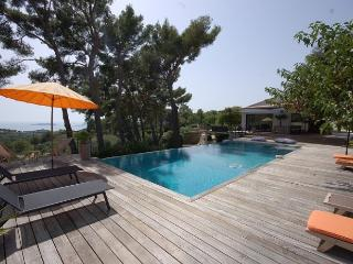 4 bedroom Villa in Ceyreste, Provence, France : ref 2018032