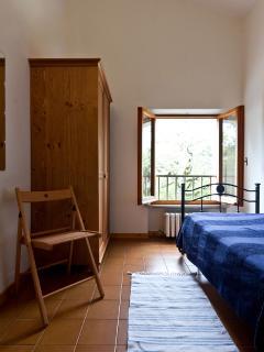 The single bedroom [1]