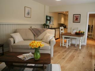Coach House - The spacious open plan living space is equally condusive to entertaining or relaxing.