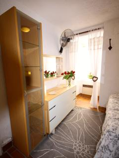 Main Bedroom with air conditioning & fan newlay Laminated Flooringplenty of packing space Sleep well