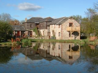 6 bedroom cottage in 4 acres with fishing & ho, Callington