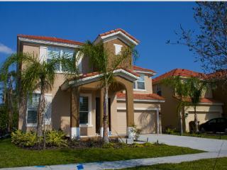 Villa 381 Las Fuentes Drive, Orlando, Florida