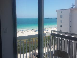 Ocean View South Beach 2 Bedroom Condo, Miami Beach