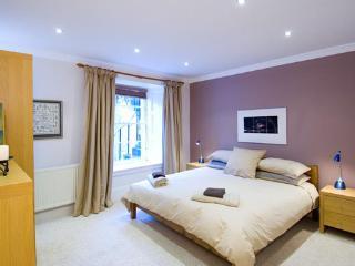 Double Bedroom - en suite shower/wc