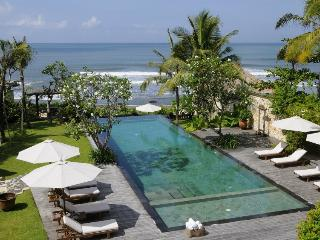 Villa Waringin: Beachfront villa close to Seminyak, Canggu