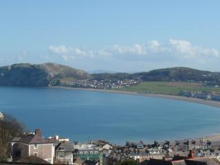 This breathtaking view of Llandudno Bay can be seen from the lounge and main bedroom of Ty Haf.