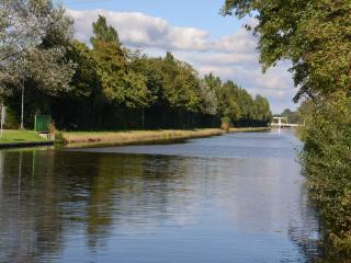 Blick auf den Ems-Jade-Kanal in Richtung Aurich.