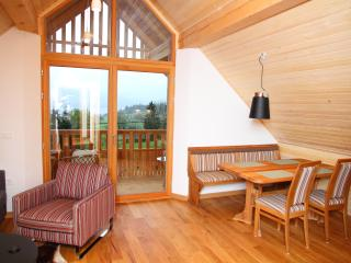 Attic, marvelous views towards lake, huge balcony, Bohinjsko Jezero