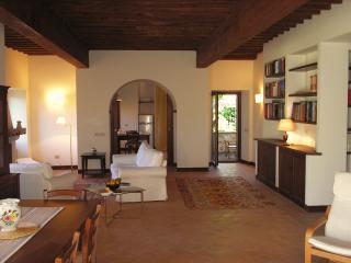 Villa Lucia, Preci