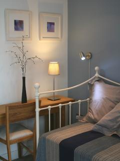 Bedroom 2 with wrought iron single bed / sofa, convertible to double or twin bed
