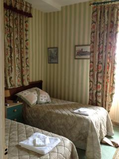 Bedroom #2 sleeps 2 in 2 single beds