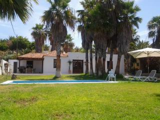 Villa 3 bedrooms 300 meters from the sea Costa Ade