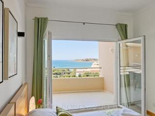 Quinta de Barracuda with Panoramic Sea Views, Albufeira