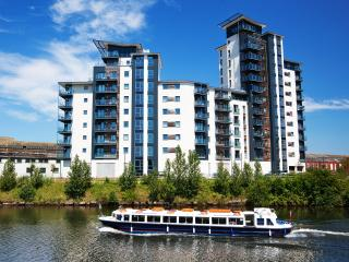 WaterSide Apartments Free Parking & Wi Fi