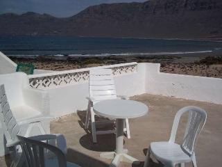 Villa KALMA in Famara for 6 p, Soo