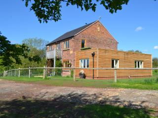 "Mutton Barn boasts ""the best"" rural holiday home location in Warwickshire"
