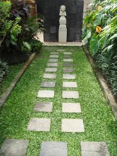 Villa Entrance path