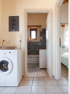 WC/Bathroom with washing machine