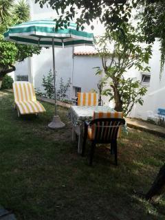 Angolo del giardino per il tuo relax...........