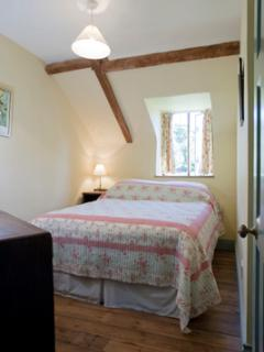 Boxwell Cottage bedroom 2