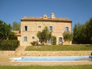 Casa Roberta, Colmurano