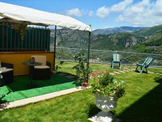 Casa Fanella, a cosy and independent villa+garden, Sorrent