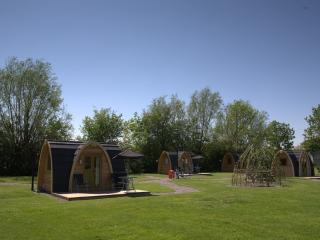 Camping Snug, Tiddington