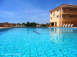 Eva's 2 Bed Spacious Apt - Nissi Elena Court  On Top Floor Minutes From Beach