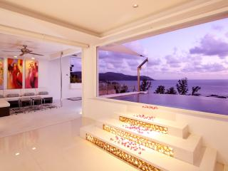 Kata Luxury Seafront Penthouse, Kata Beach