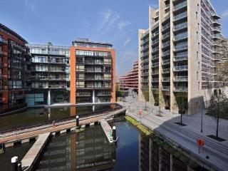 Hepworth Ct, Grosvenor Waterside Apartment, London