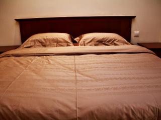 King size bed with luxury bedding