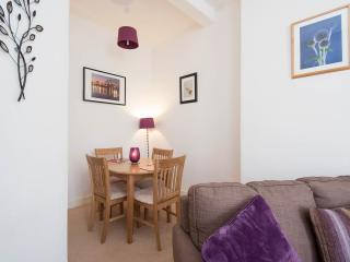 Holiday Apartment for 2 in Morningside, Edinburgh